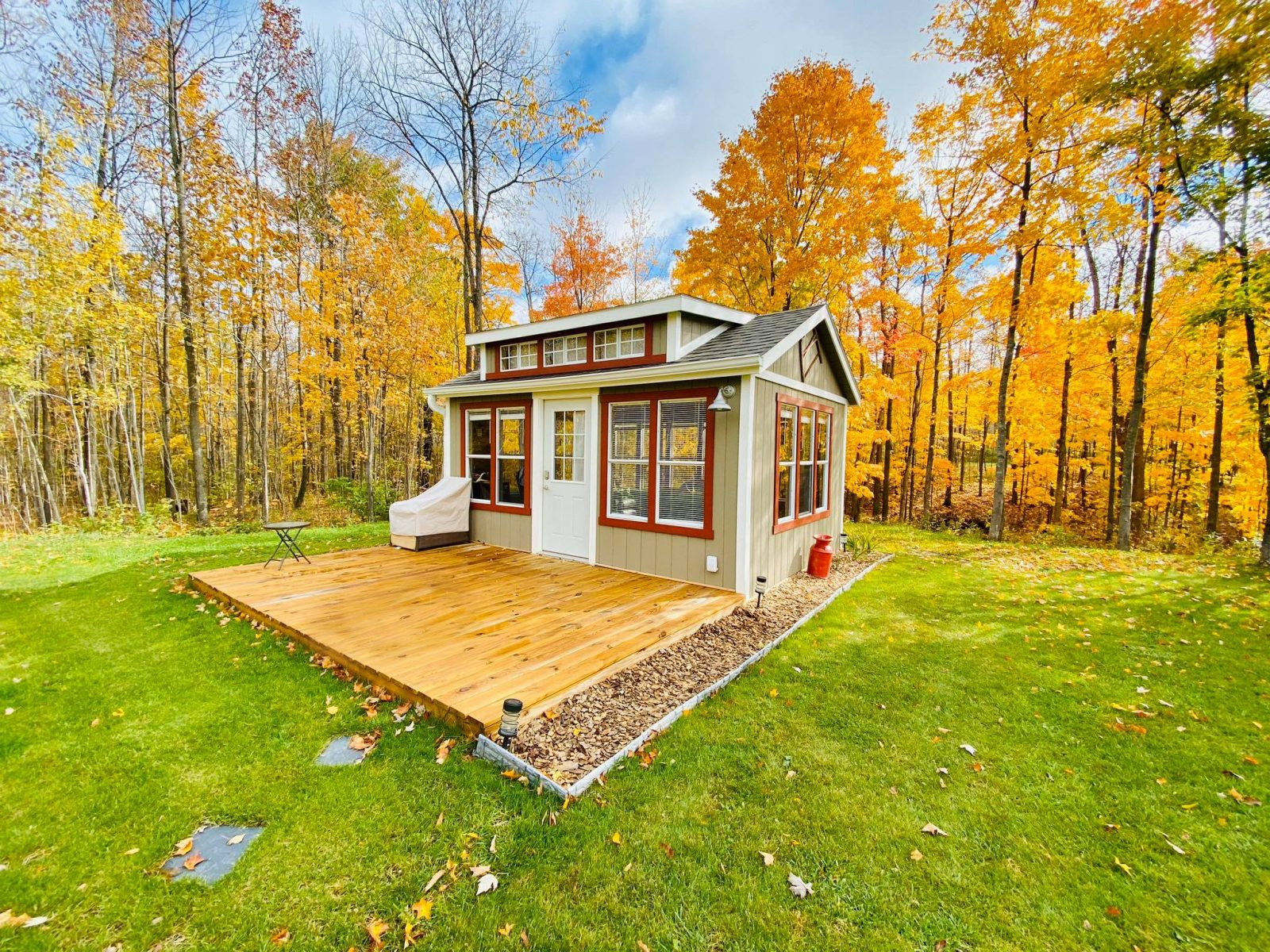 guest house shed for sale